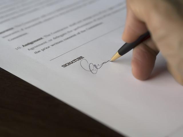potřeba podpisu smlouvy
