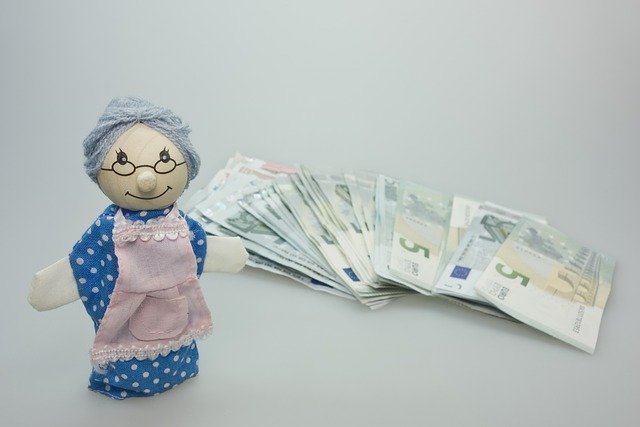 babička a peníze