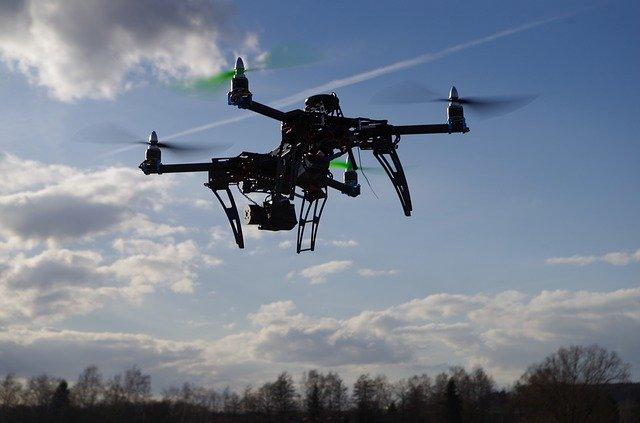 letící dron