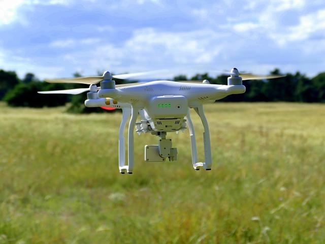 dron nad loukou