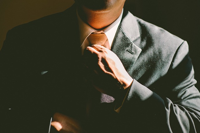 upravení kravaty