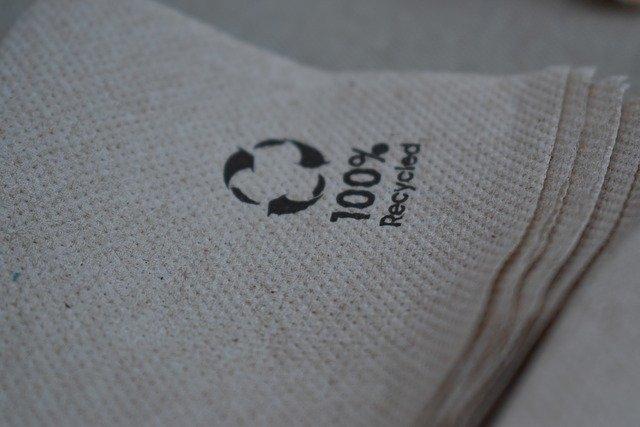 recyklovat papír