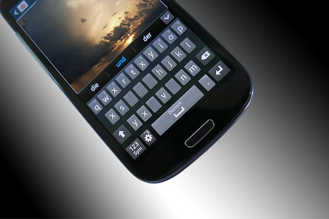 klávesnice mobilu