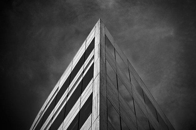 roh budovy
