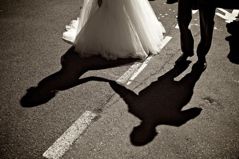 stíny novomanželů