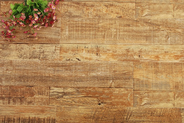 dřevěná podlaha, kytice