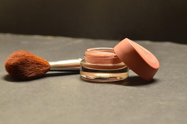 štětec a make up.jpg